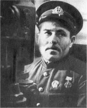 Магомет Гаджиев, будущий Герой Советского Союза, был третьим командиром Щ-117.
