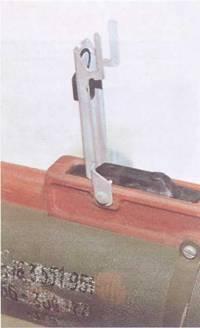 Прицел и спусковой механизм РПГ-22.