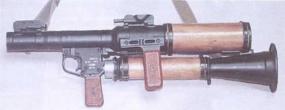 Гранатомет РПГ-7Д в положении для десантирования.