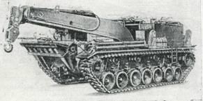 Рис. 45. Ремонтно-эвакуационная машина М51 без пулеметной башенки, вид сзади
