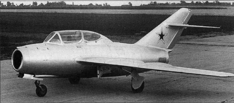 Прототип учебно-тренировочного истребителя И-312 (СТ), построенный на базе серийного МиГ-15 №104015.