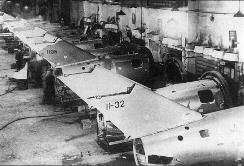 Сборка хвостовых частей самолетов МиГ-15бис 11 серии на заводе № 153