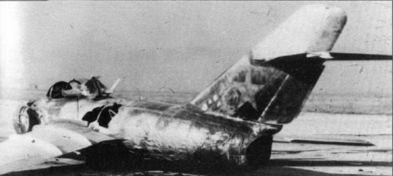 Авария самолета МиГ-15бис №31530504 завода №31. 24 мая 1952 г. летчик-испытатель К.П. Баркалая забыл выпустить шасси перед посадкой, в результате чего от трения о бетонную ВПП возник пожар и самолет сгорел.