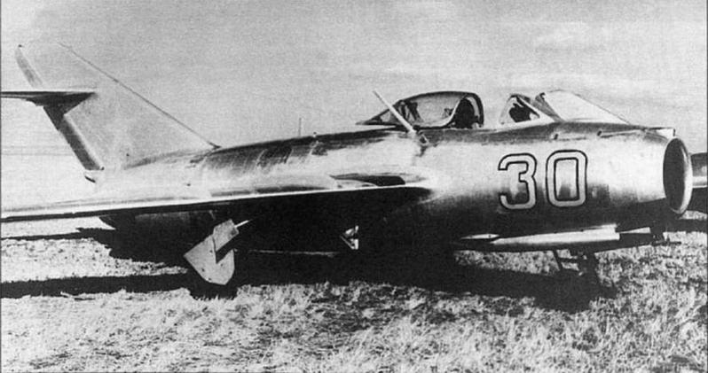 МиГ-15бис №1315376 с опознавательными знаками, нанесенными в соответствии с положением об ОЗ ВВС 1955 г. Хорошо видны следы старого четырехзначного номера, (архив О. Волкозуба).