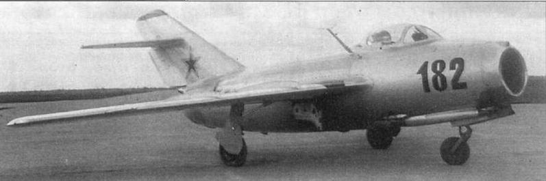 Истребители МиГ-15бис завода №1 .