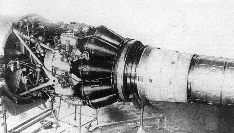 Установка двигателя ВК-1 на самолете МиГ-15 № 105015.