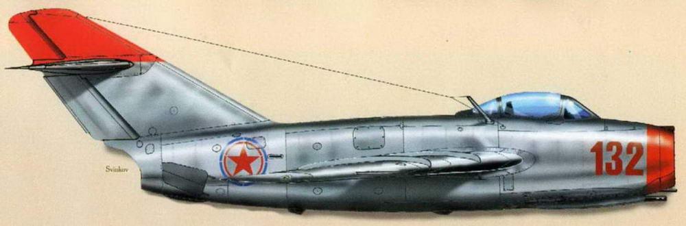 МиГ-15бис №121032, к-н Сутягин (22 сбитых), 17 ИАП, 303 ИАД, июнь 1951 — февраль 1952 г. На этом самолете Н.В. Сутягин выполнил все свои боевые вылеты и одержал все победы.
