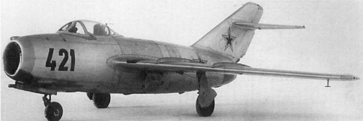 Истребитель МиГ-15бис №2104. На заводе №292, в отличие от других, в серийном номере самолетов на первом месте стоял номер машины в серии, а на втором номер серии.