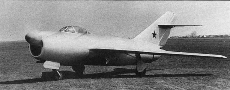 Истребитель-перехватчик СП-1 с РЛС «Торий-А» на заводских испытаниях.