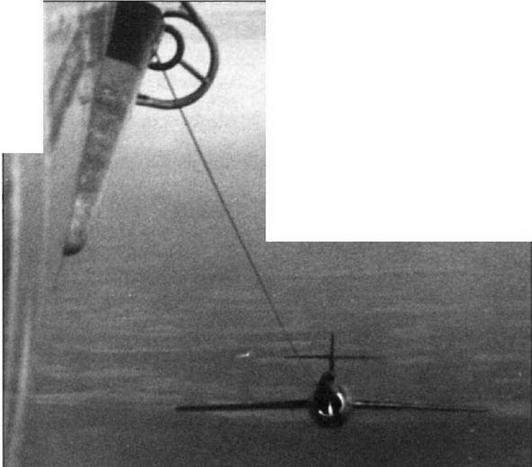 Система буксировки «Бурлаки» во время войсковых испытаний в 50-й Воздушной Армии Дальней Авиации. Момент сцепки истребителя МиГ-15бис №21 1 5376 с бомбардировщиком Ту-4.