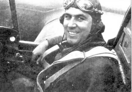 Испанский пилот Leocadio Mendiola Nunez в кабине СБ.