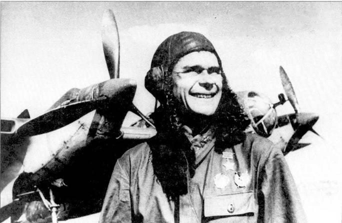 Стрелок Ар-2 Герой Сов. Союза сержант В.Е.Капитонов 33-го ББАП из состава 19-й БАД. Юго-Западный фронт, июль 1942г.