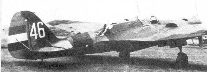Ранний СБ-2М-100А республиканских ВВС. У самолета характерный «заплаточный» камуфляж.