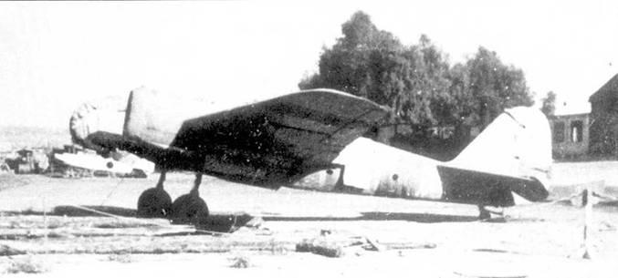 Республиканский СБ-2 на захваченном франкистами аэродроме