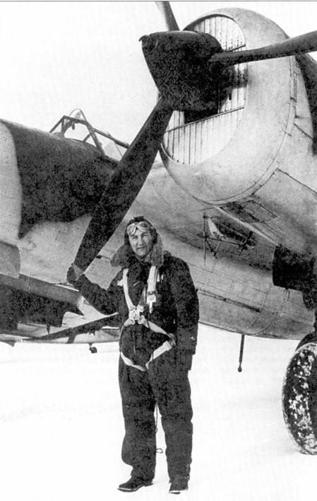 СБ-2М-100А с номером SВ-8, база в Мальме, зима 1942 года. Финны захватили эту машину в ходе зимней кампании. После ремонта 2 мая 1941 года самолет вошел в состав Er.LLv 2 под обозначением VP-11. С 21 июня 1941 года летал в составе 2/ LeLv 6, а затем с 11 сентября 1942 года — d1/LeLv 6. Позднее его переоборудовали в учебную машину.