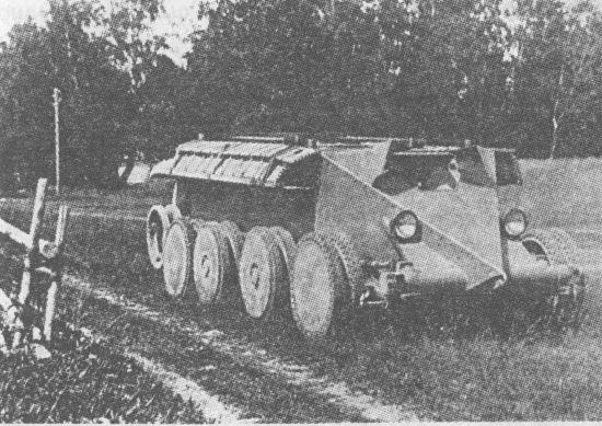 «Прародитель» танка Т-34 – колёсно-гусеничный танк Кристи на полигоне в СССР. 1931 год