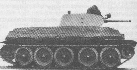 Второй опытный образец танка А-32, догруженный до 24 тонн, во время заводских испытаний. Лето 1939 года