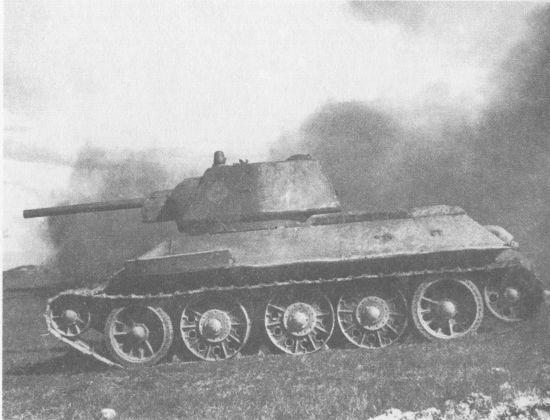 Т-34 выпуска 1942 года с цельнолитым ведущим колесом без роликов