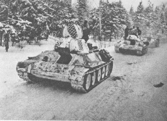 Танки 1-й гвардейской танковой бригады на марше. Март 1942 года