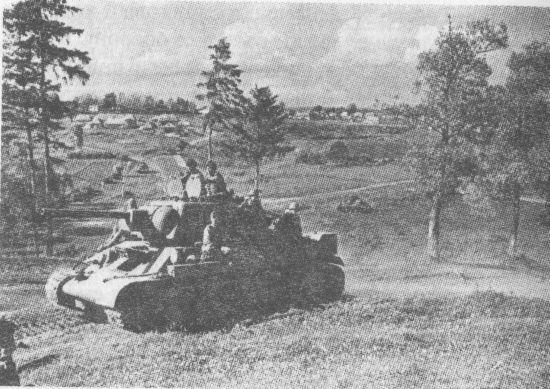 Танки Степного фронта на марше. 1943 год