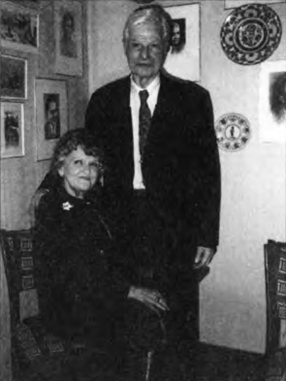 Леонтина и Моррис Коэны в своей московской квартире. Конец 1980-х гг.