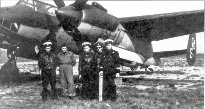 Польский Ту-2. Крайний слева — поручик Здислав Ольшевский, 1957 год.
