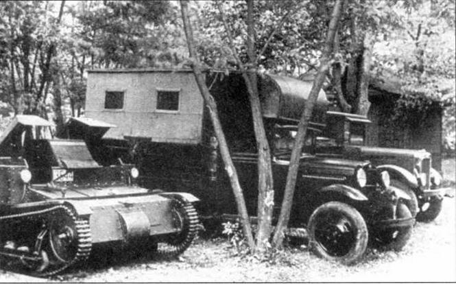 Танкетки Т-27 во время маневров. Украинский военный округ, 1933 год