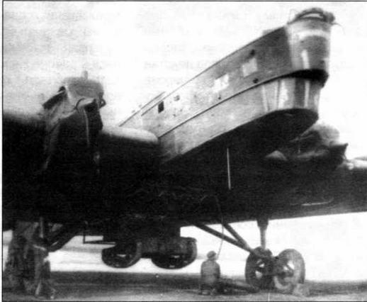 Танкетка Т-27 на подвеске ПД-Т под бомбардировщиком ТБ-3