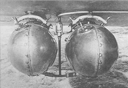 Установка двух 50-литровых подвесных баков на стандартных крыльевых бомбодержателях ДЕР-31