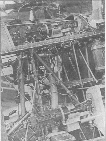 Внутрення начинка самолета И-15бис, вооруженного пулеметами ШКАС. Опытный экземпляр (МО)