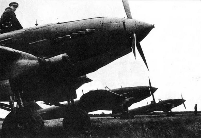 Одноместный Ил-2 с патрубком ЦАГИ.