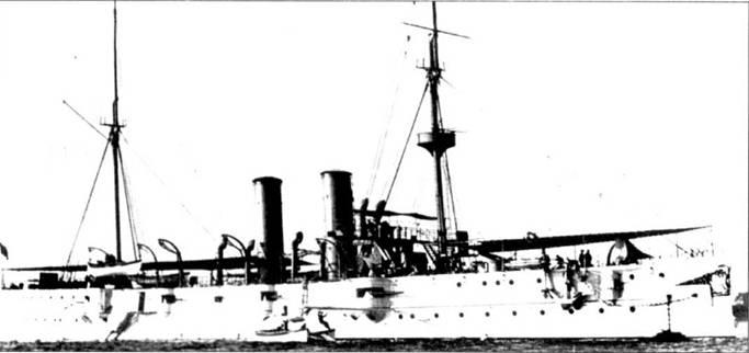 «Редей» (СА-8) был построен военно-морской верфью в Норфолке, закладка крейсера состоялась 31 марша 1892г. Корабль пес вооружение в виде одной 6-дюймовой пушки (длина ствола 40 калибров), десяти 5-дюймовых орудий (длина ствола 40 калибров), восьми 6-фунтовых пушек, двух 1 — фунтовых и четырех 18-дюймовых <a href='https://arsenal-info.ru/b/book/3977928548/11' target='_self'>торпедных аппаратов</a>, установленных па уровне ватерлинии. В период 1899–1902г.г. с крейсера сняли все <a href='https://arsenal-info.ru/b/book/3977928548/11' target='_self'>торпедные аппараты</a>, взамен же организовали два дополнительных котельных отделения. Изначально, в целях увеличения автономности, крейсер пес полное парусное вооружение, которое со временем было устранено.