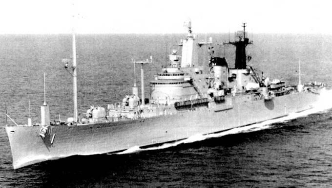 «Нортхэмтон» (СС-1, бывший СА-125) достроили как корабль управлении — плавучая база высшего военного командования Соединенных Штатов в случае ядерной войны. В 1961г. корабль прошел переоборудования в Национальный пункт управления, предназначенный для размещения в случае войны президента и его свиты. Для размещения большого количества штабных специалистов на «Нортхэмтоне» была надстроена одна палуба. Вооружение состояло из четырех 127-мм орудий Мк 16, две одноорудийных башни в носу и две — в корме. На корабле установлено огромное количество антенн.