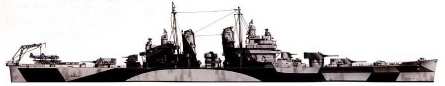Крейсер «Канберра» (СА-70) в камуфляжной окраске Measure 32/1SD, конец 1944г. Крейсер назван в память австралийского крейсера «Канберра», погибшего в бою с японским флотом у острова Саво в 1942г. На катапультах — гидросамолеты OS2U «Кингфишер».