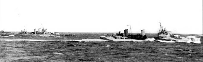 На заднем плане — «Уичита», на переднем — крейсер Ее Величества «Эдинбург». Корабли держат курс на Скапа-Флоу, 3 апреля 1942г. «Уичита» тогда входила в состав соединения TF-39, где отрабатывала в течении месяца совместные действия с кораблями британского флота, и затем эскортировала северные конвои в Россию.