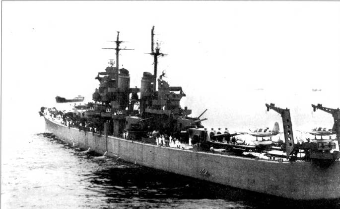 Крейсера типа «Балтимор» несли вооружение в виде девяти орудий калибра 8 дюймов, установленных в трех башнях и 12 5-дюймовых пушек в шести двухорудийных башнях. Пи катапультах установлены гидросамолеты OS2V «Кингфишер». Между кринами размещен счетверенный 40-мм зенитный автомат Бофорс. В августе 1944г. крейсер «Балтимор» доставил президента США Франклина Д. Рузвельта в Перл-Харбор и на Аляску.