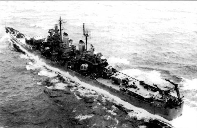 «Балтимор» в море-океане с двумя гидропланами OS2U «Кингфишер» из эскадрильи VCS-10 на катапультах. Снимок 1944г. Крейсер «Балтимор» был построен Бислихэм Стил Компани в Куинси, шт. Массачусетс. В открытом море крейсер развивал скорость полного хода в 25 узлов.