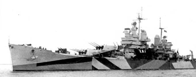 В 1944г. «Балтимор» камуфлировали по схеме Measure 32/16d — единственный корабль такого класса, покрашенный таким образам! На катапультах находится пара гидросамолетов OS2U «Кингфишер». На Тихом океане крейсер «Балтимор» прошел славный и, не побоимся этого слова, героический путь от Макина до Японии, заслужив по ходу дела девять боевых звезд.