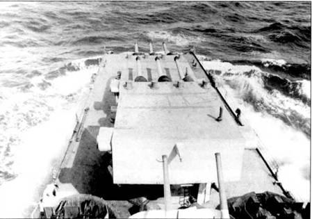 4 июня 1945г. крейсер «Питтсбург» попал в тайфун, где лишился носовой оконечности на протяжении 33,5м. Скорость ветра тогда достигала 130км/ч, а высота волн — 30м. Никто из команды крейсера не погиб. Оторванный нос не затонул, его пришли и отбуксировали на Гуам, куда пришел с утраченным носом сам «Питтсбург». Приделывать к кораблю оторванный нос не стали.