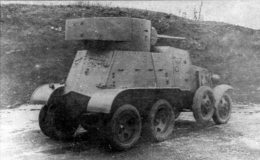 Бронеавтомобиль БА-3 во время заводских испытаний. Хорошо видна дверь в корме бронекорпуса