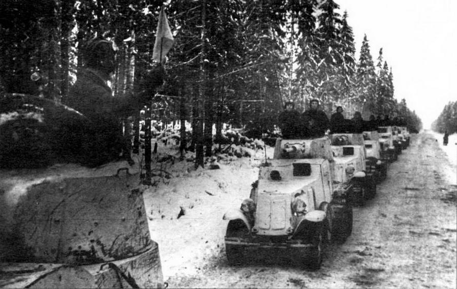 Колонна бронеавтомобилей БА-10 на марше. Карельский перешеек, зима 1939 года