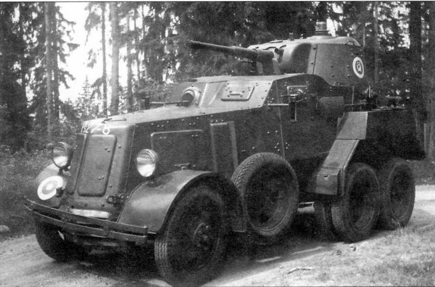 Бронеавтомобиль БА-10 финской армии. Лето 1955 года. Машина оснащена новыми ящиками для амуниции и зеркалами заднего вида
