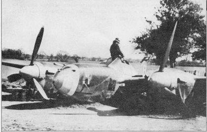 «Black Barney» – P-38J из 20-й истребительной авиагруппы, грубая посадка в Кингз-Клифф, Англия. На самолете летал в начале 1944 г. командир 20-й группы полковник Бартон Рассел, кроме того на нем летал лучший ас «Лайтнингов» 8-й воздушной армии лейтенант Джемс Моррис.