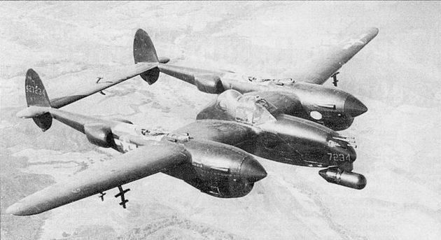 Фирма Локхид изготовила 75 самолетов Р-38М «Найт Лайтнинг», в боевых действиях самолеты участия практически не принимали. На снимке – самолет Р- 38Миз состава оккупационных сил в Японии. Панели обшивки в районе турбокмпрессоров не окрашены для лучшего теплообмена с окружающей средой.
