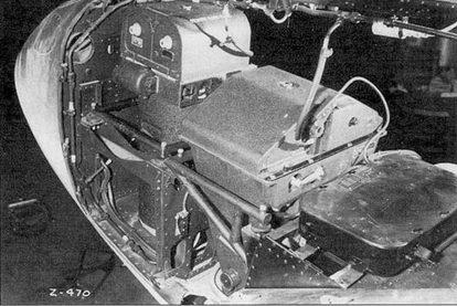 Отсек фотооборудования на F-4-1-LO, здесь вертикально установлены два аэрофотоаппарата К-17. Пулеметные и пушечная амбразуры зашиты металлическими заплатками, установленным на заклепках.