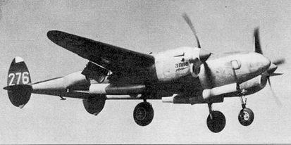 «Anna» – F-5B из 3-й фотразведывательной эскадрильи садится на аэродром Флоренция, Италия, конец 1944 г. Самолет цвета натурального металла, задние части хвостовых балок окрашены серебрянкой. Вертикальное оперение – черное, номера – белые, коки винтов красные. Название самолета написано красной краской и обведено черной каймой.