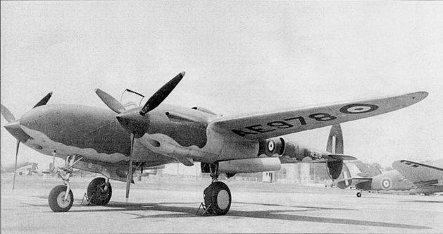 Р-322 «Лайтнинг I», изготовленный по заказу RAF. И а Р-322 стояли двигатели Аллисон серии «С» без турбокомпрессоров. Мотогондолы более узкие, чем на ранних Р-38.