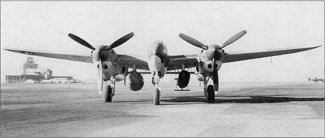 Р-322 «Лайтнинг II», па внешней подвеске – один 300-галлонный топливный бак и одна 2000-фунтовая торпеда. На «Лайтнингах II» стояли обычные двигатели Аллисон серии «F» с турбокомпрессорами. Самолеты обозначались P-38F-I3, F-15, G-15 и имели идентификационную кодировку USAAF.
