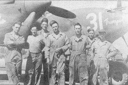 «Thumper», P-38D из 20-й истребительной авиагруппы, Марч-Филд, Калифорния, начало 1943 г. 20-я группа в числе других с успехом использовала «Лайтнинги» для эскортирования бомбардировщиков 8-й воздушной армии над Европой.