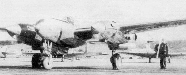 Лейтенант Келси выруливает на ХР-38, Райт-Филд, 11 февраля 1939 г. Внутренние поверхности мотогондол окрашены матовой краской черного цвета, чтобы поверхность дюраля не бликовала на солнце и не слепила пилота.